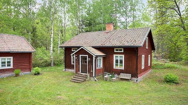 Torp i Österfärnebo för 500 000 kronor.