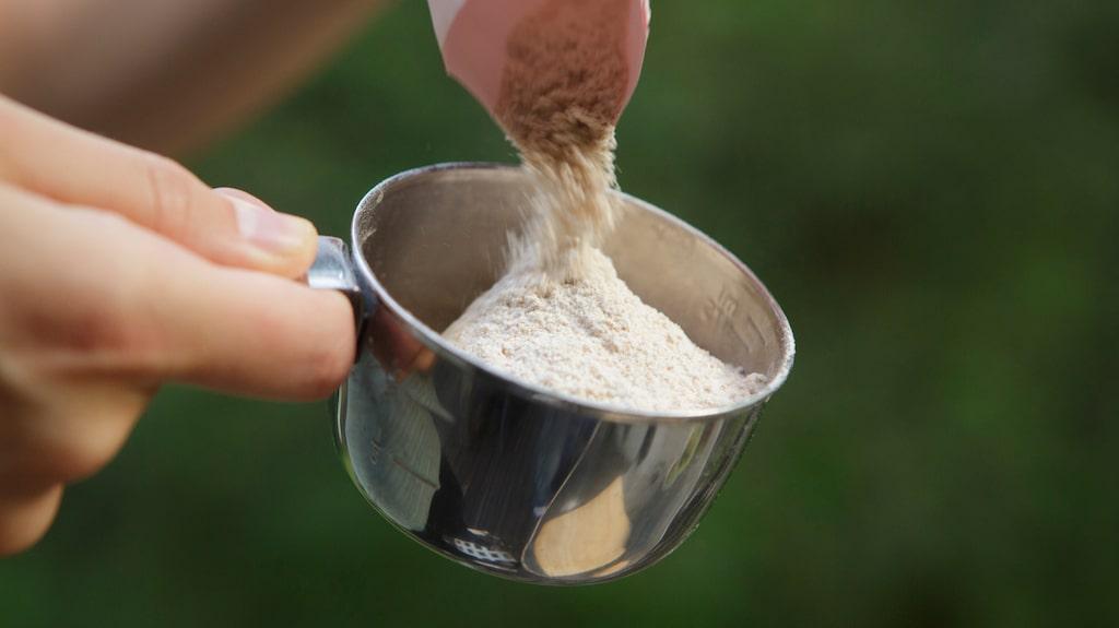 Tänk dock på att inte spola ner mjölet i avloppet eftersom det kan orsaka stopp.
