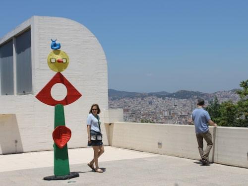 Joan Mirós extremt färgstarka och surrealistiska skulpturer är något helt för sig.