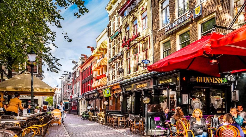 Amsterdam lockar fler och fler svenskar.