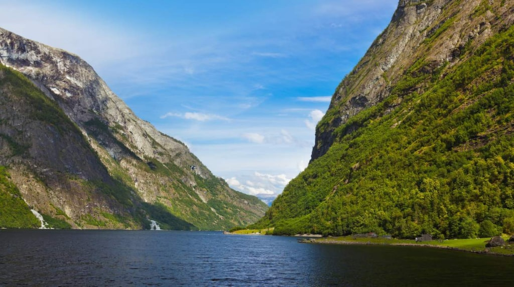 Låt dig hänföras av Sognefjorden i Norge.