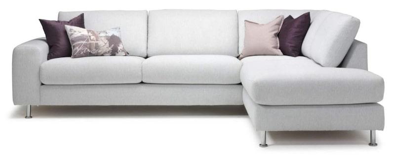 Gott om plats<br>Divansoffan Ida, 260 × 84 × 200 centimeter bred, 13 990 kronor, Stalands.
