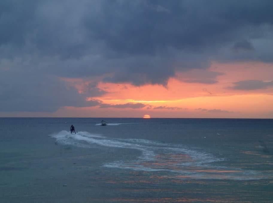 Vacker solnedgång vid Pigeon Point.