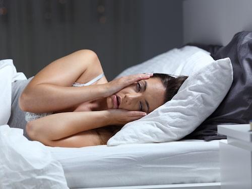 Stress, oro, ångest och konstiga arbetstider är de vanligaste orsakerna till försämrad sömn, och cirka en miljon svenskar äter medicin för just sina sömnproblem. Kanske helt i onödan...