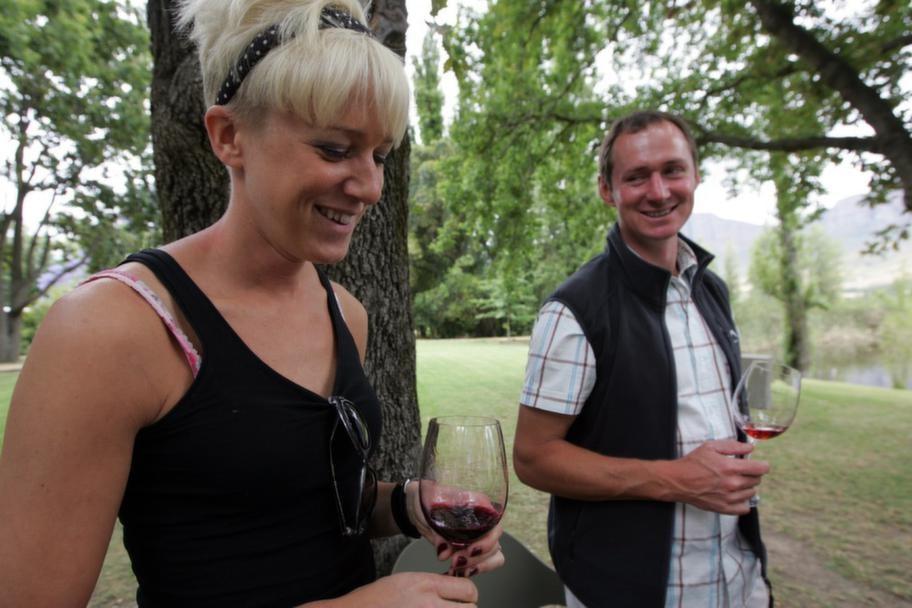 Import. Kajsa wines samarbetar med vinproducenter i Sydafrika, Frankrike och Spanien.