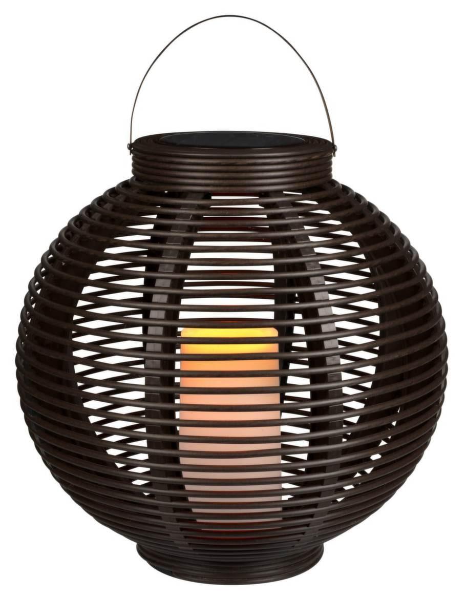 Bambustil. Flätad korglykta, solceller, 199 kronor, Clas Ohlson.