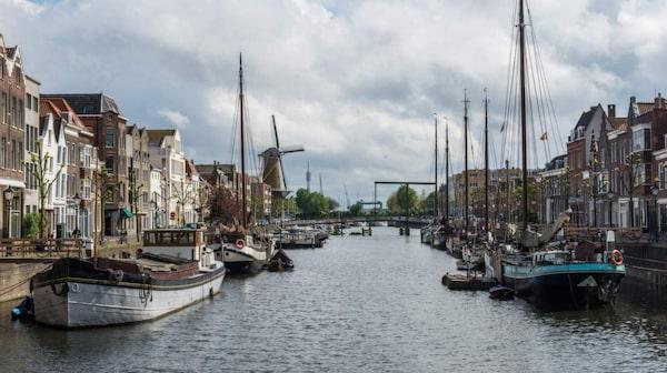 Rotterdam har en kosmopolitisk atmosfär.