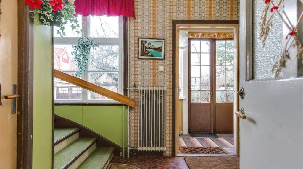 Huset som är byggt på 20-talet har verkligen en 70-talsstil.