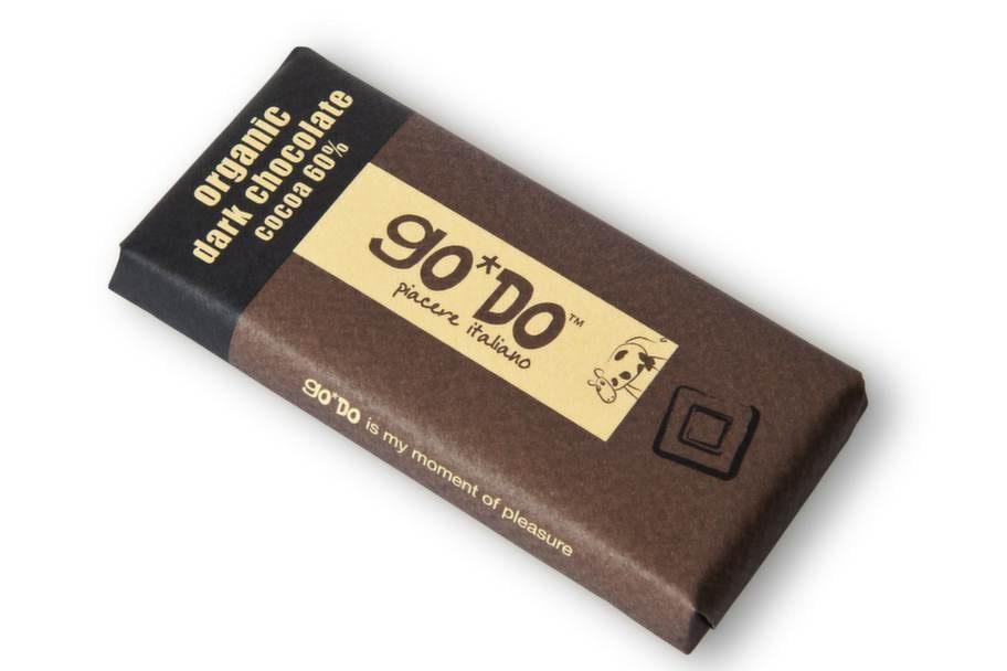 """Go*do, ekologisk choklad 60%, Italien<br><exp:icon type=""""wasp""""></exp:icon><exp:icon type=""""wasp""""></exp:icon><exp:icon type=""""wasp""""></exp:icon><br>Pris: 11 kronor, 35 g.<br>Ganska låg kakaohalt för att vara mörk choklad. En snäll choklad som passar den som inte gillar bittra chokladsorter. Gillar du mörk choklad kan du tycka att denna smakar för mycket socker.<br>Fredrik Paulún säger: Lite låg kakaohalt för ett högre betyg än tre, men ändå en bra produkt. Den är ekologisk vilket oftast betyder både mer antioxidanter och mindre bekämpningsmedel. Det står rörsocker på innehållsdeklarationen vilket troligen betyder rårörsocker vilket är bra.<br>Betyg: 3.<br><br>Ingredienser: Kakaomassa, rörsocker, kakaosmör, emulgeringsmedel (sojalecitin), vaniljextrakt.<br>Näringsvärde per 100 g:<br>Energi: 559 kcal.<br>Protein: 7,6 g.<br>Kolhydrat: 44,8 g.<br>varav sockerarter: 38,5 g.<br>Fett: 37 g.<br>varav mättat fett: 22,1 g.<br>Fiber: 8,3 g.<br>Natrium: 0 g."""
