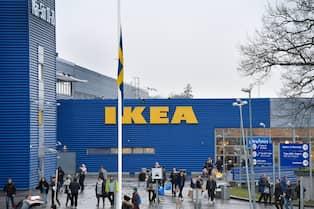 Flaggor på halv stång i Kungens kurva efter Ingvar Kamprads död. Foto   ANDERS WIKLUND TT. Stäng fullskärmsläge. Ikea kastar ritningarna på ett nytt  varuhus ... 7811743cf9abd