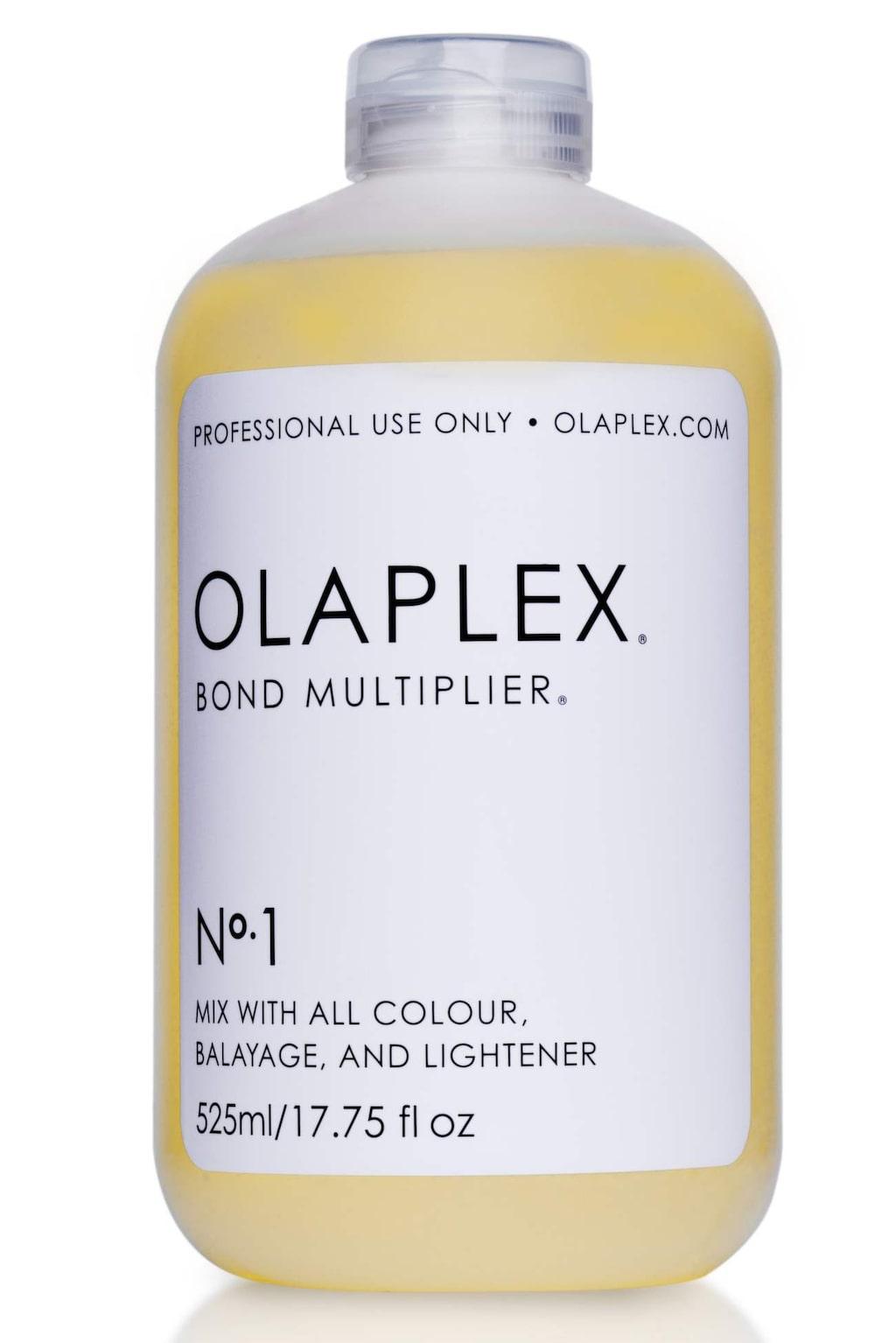 """<p>""""Olaplex No.1 Bond Multiplier"""" tillsätts till blekningen eller färgningen.</p>"""