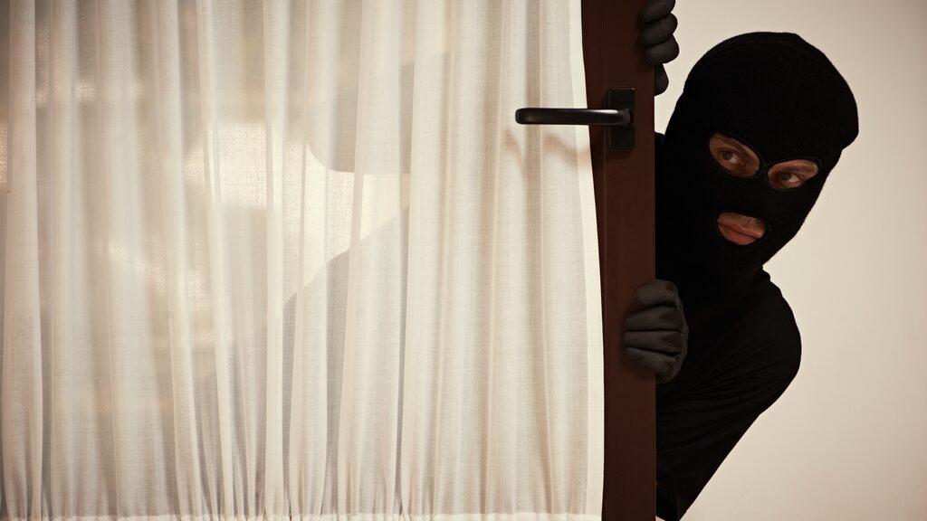 Göm aldrig nyckeln under dörrmattan. Där tittar tjuvarna först...